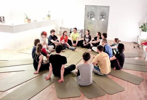 yoga-teambuilding